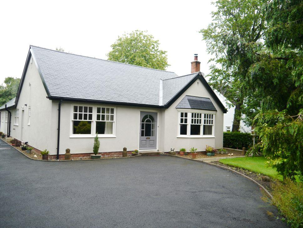 4 Bedrooms Detached Bungalow for sale in Western Way, Darras Hall